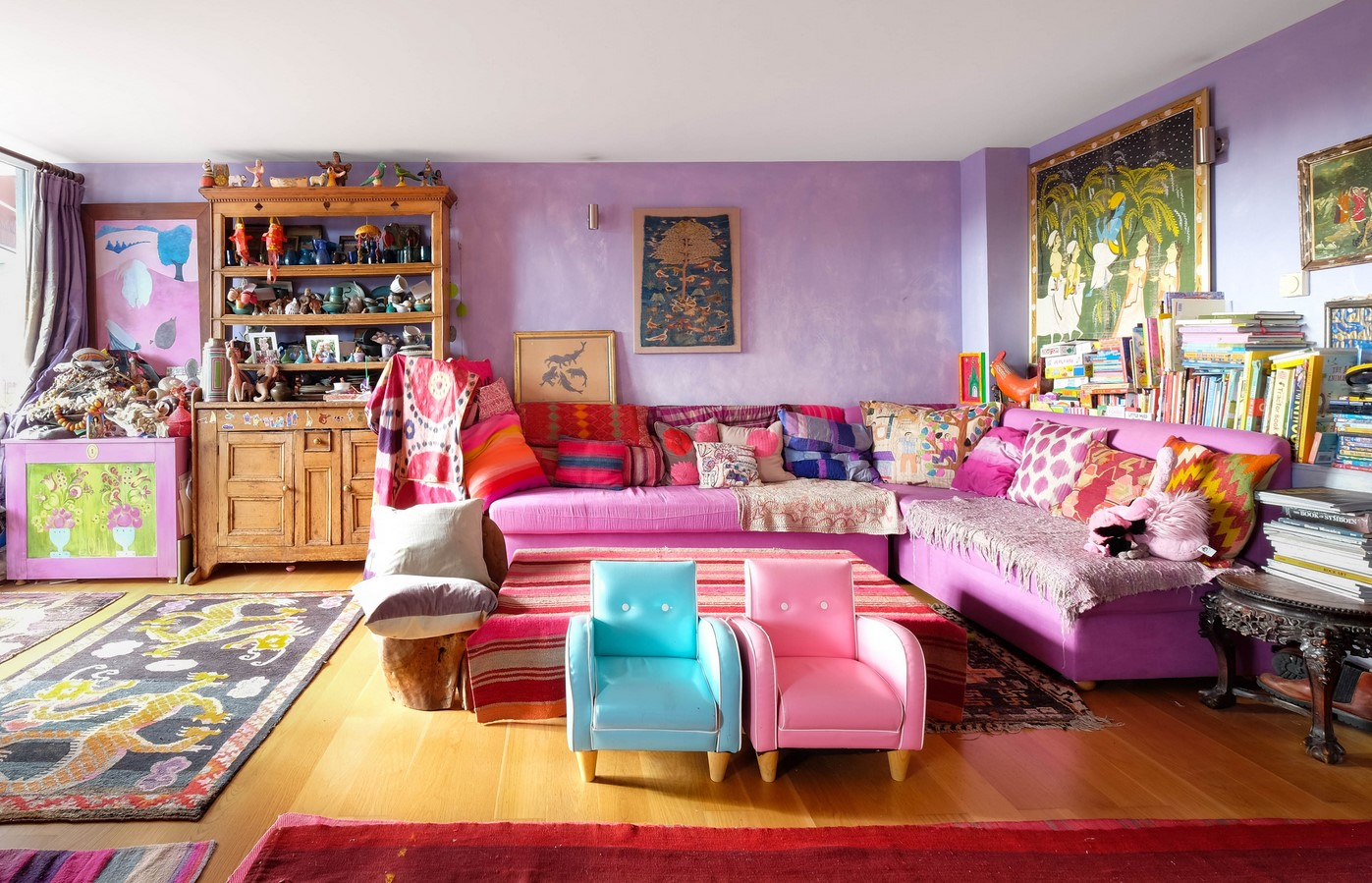 mix-purple-and-orange-in-home-décor